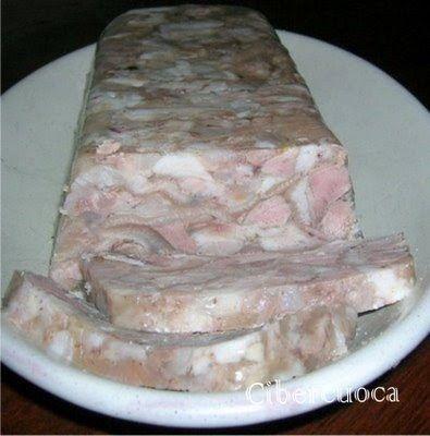 Ingredientes 1 cabeza de cerdo cocida 2 patitas o manitas de cerdo Piel de cerdo (si se quiere más gelatinosa) 3 zanahorias 3...