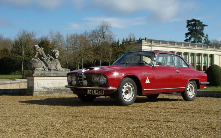 1961 - 1968 The Alfa Romeo 2600 (series 106) Displacement : 2,584 cc Fuel System : Triple Solex Compression Ratio : 9,0:1 Power : 145 bhp (108 kW) Top Speed : 200 km/h (120 mph)