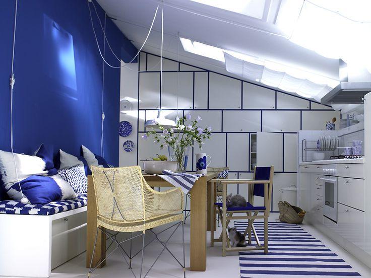 Wände in Frühlingsfarben Blaue Stunde für die Küche unterm Dach - kuche blaue wande