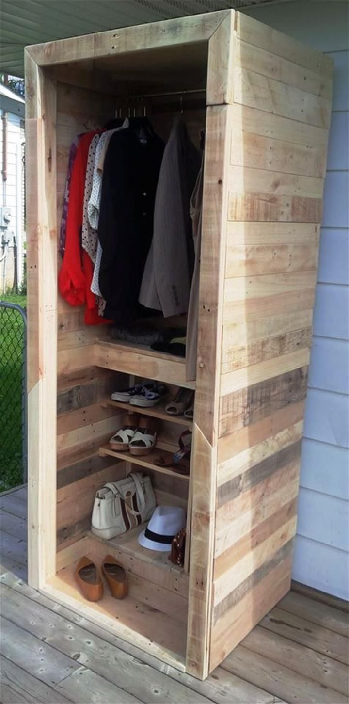 best 25 pallet closet ideas on pinterest pallet wardrobe pallet furniture wardrobe and diy. Black Bedroom Furniture Sets. Home Design Ideas