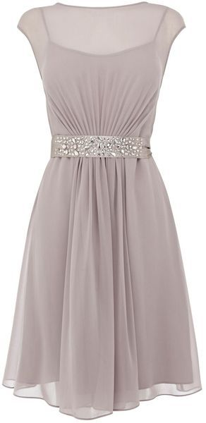Coast Sleeveless Cocktail Dress color does nothing for skin tone... But like the…