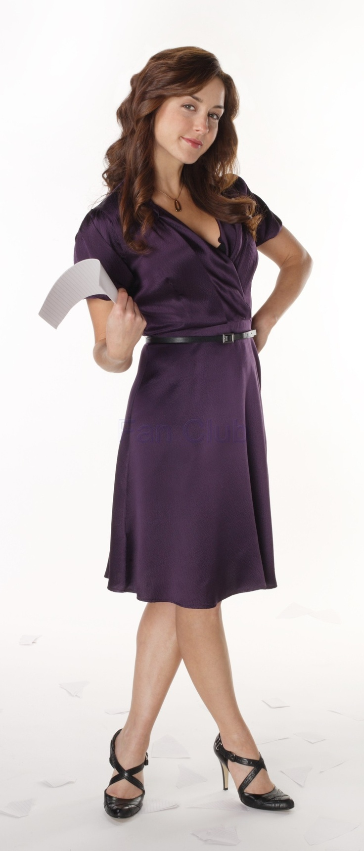 Vestido roxo - Erin Karpluk - Being Erica