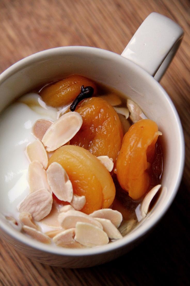 Vegetario » Compota de Damascos con Yogurt y Almendras