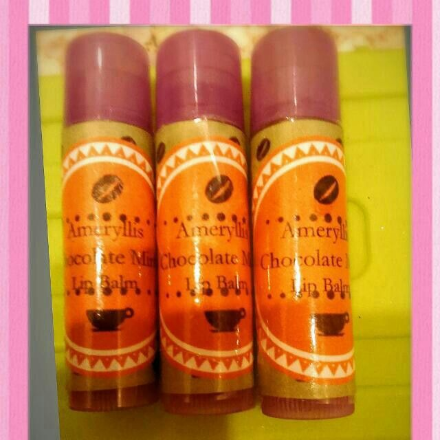 Shop with us our Ameryllis natural lips balm. This trio of organic lip balms are soothing, nourishing, non-toxic, and flavorful. Use daily for happy, healthy lips! your dry lips now.  price offer promo rm10 only. We got 3 different flavors consist rose geranium honey sweet orange and chocolate mint. Sounds yummyyyy interested? Pm me Joey wechatjoey2383/whatsapp 0123757185 www.ameryllisnatureskincare.WordPress.com #lipbalm #organic