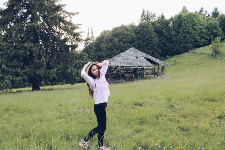 #mountain #nature #green #hat #romania #pink #babypink