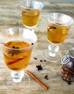 Spiked Mulled Apple Cider - Fall!  Fall Cocktail Recipe