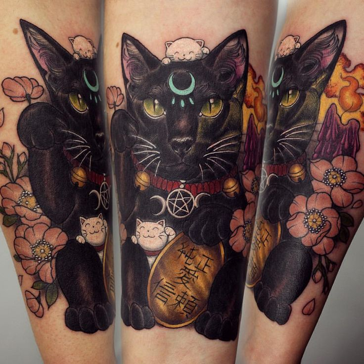 Here's what I got up to yesterday, I tattooed Becky's gorgeous cat Raven as a lucky cat, and was very happy she liked my idea on adding some mini kitties! I really enjoy doing more oriental inspired...