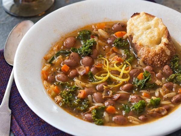 This rustic, satisfying Mediterranean style soup gains texture and protein from creamy cranberry beans, also called borlotti beans, making it a hearty one-pot meal. The soup's rich flavour starts with (…) Read more
