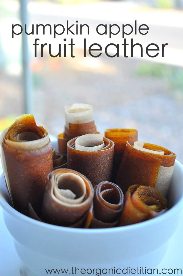 Pumpkin Apple Fruit Leather, 4 ingredients, no refined sugar, so easy, no dehydrator needed, www.theorganicdietitian.com