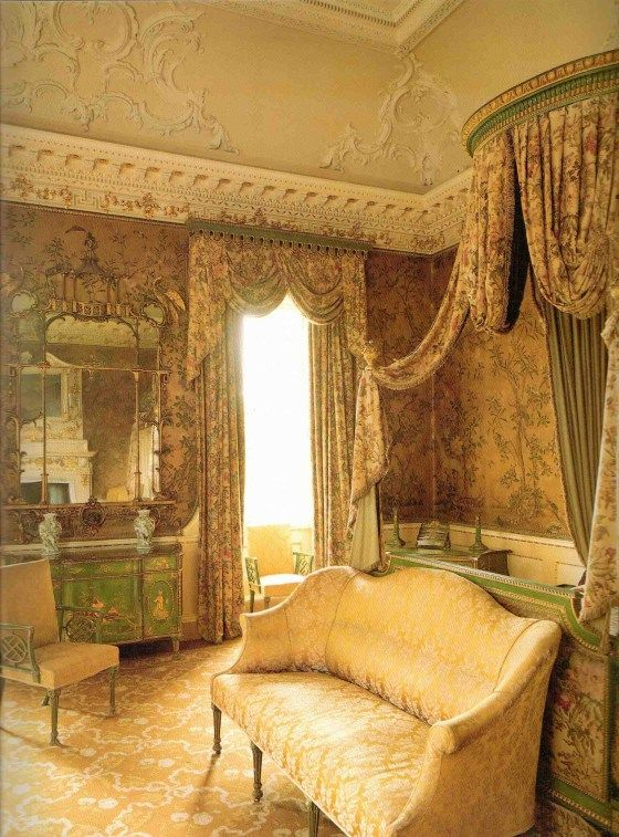 The state bedroom at Nostell Priory decorated by Thomas Chippendale Chippendaleu0027s innovation was creating furniture with Chinese shapes from pagoda-shape ... & 101 best beds images on Pinterest | Bedrooms Luxury bedrooms and ...