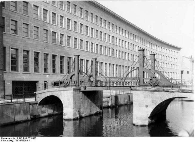 An imposing neo-classical Nazi-era building as the Reichsbank - One of the remaining examples of Nazi architecture, the building was commissioned in 1933. The design competition attracted a number of entrants, including two Bauhaus architects who would later have to flee the Nazis, Walter Gropius and Ludwig Mies van der Rohe. It was won, however, by Heinrich Wolff, whose design called for a stone-faced structure over a reinforced concrete core.