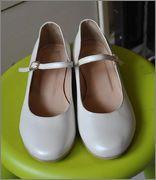 (Αττική) Παιδικά ρούχα & υποδήματα • Παπούτσια καλά Νο35,5 για κορίτσι: Χαρίζω παπούτσια Νο35,5 (πάτος από μέσα 23εκ.) Αγοράστηκαν για ένα…