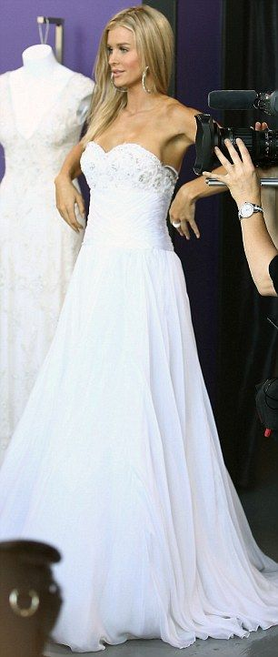 12 best brautkleider images on Pinterest | Housewife, Joanna krupa ...