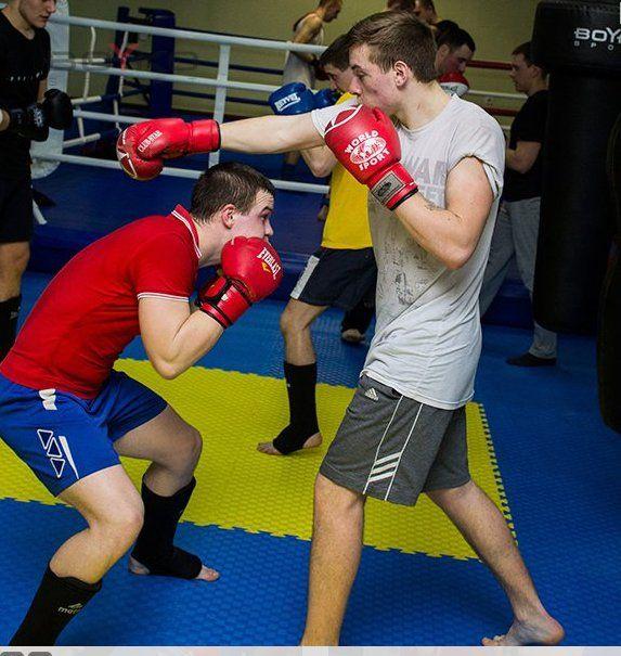 Тренировка кипит в зале полностью оборудованном компанией Бойко спорт в Прилуках.  #бойкоспорт #boykosport #бокс #кикбоксинг #mma #мма #дзюдо #самбо