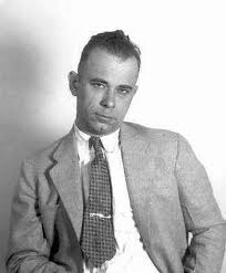 John dillinger, who liked to rob banks was born in one of the burbs of indianapolis. He's from Martinsville Indiana - southwest of Indy.