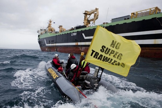 Greenpeace taking on the Margiris super trawler!