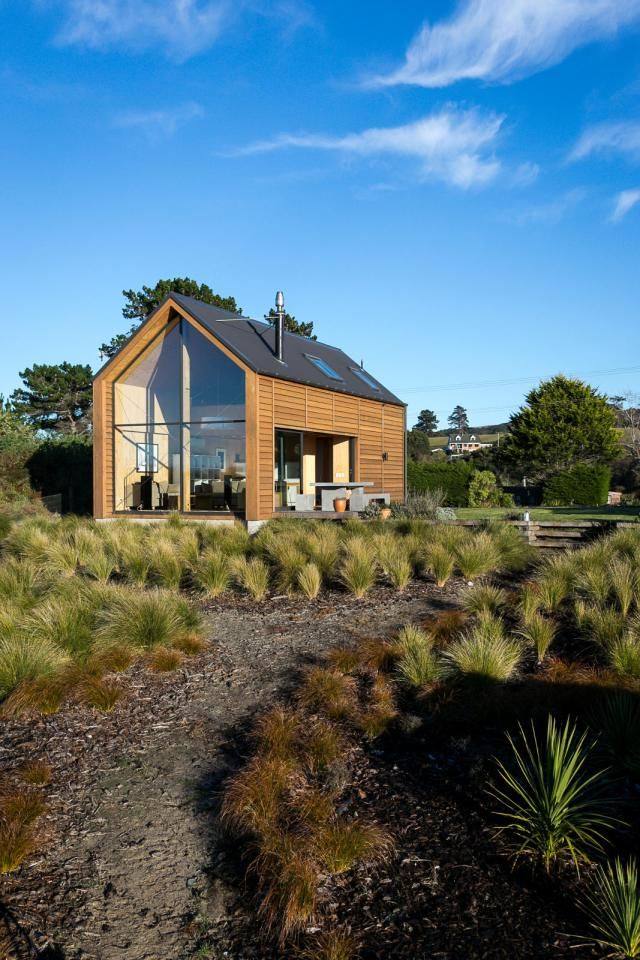 """This New Zealand """"bach"""" (a simple vacation home)"""