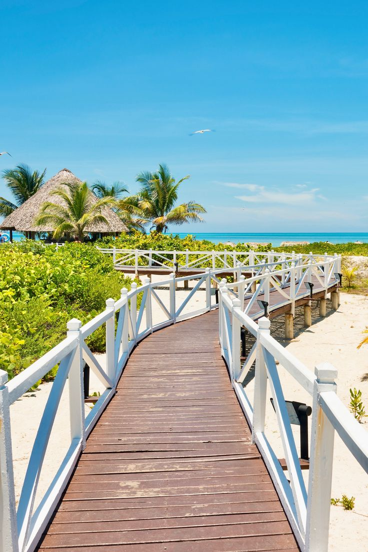 The best Caribbean travel destinations to add to your travel bucket list, and to help you plan your next family vacation with your kids, toddlers and baby! The ultimate Caribbean island guide to decide which island you should visit during your vacation to paradise! http://www.easyplanettravel.com/quick-and-easy-guide-to-the-best-caribbean-islands/