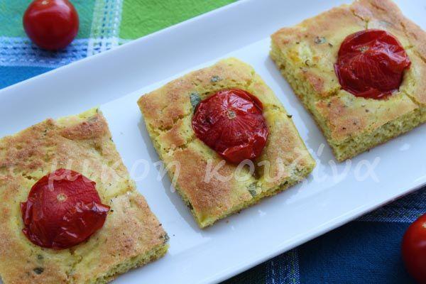 μικρή κουζίνα: Ψωμί-πίτα με ντοματίνια και βασιλικό
