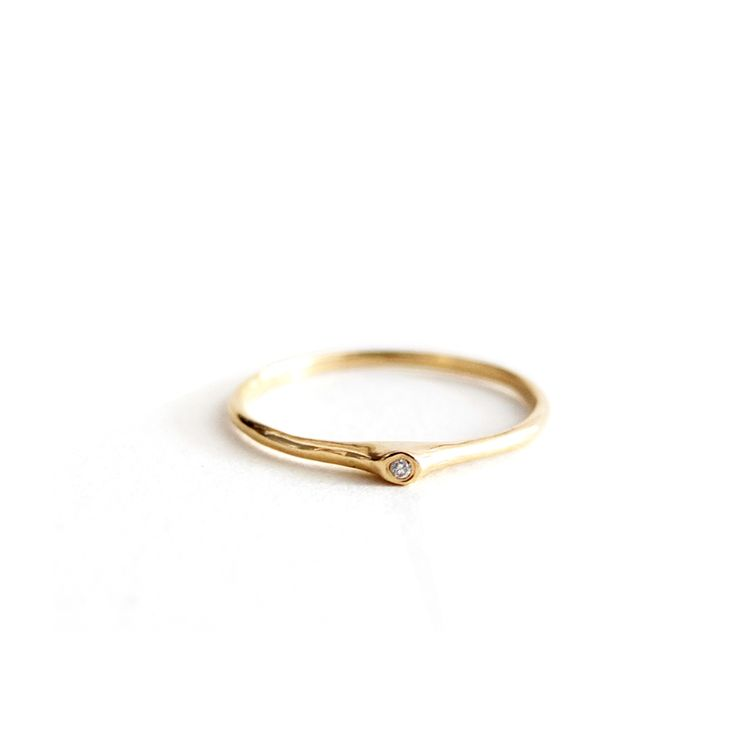 R031 14K Yellow Gold with Diamond Ring
