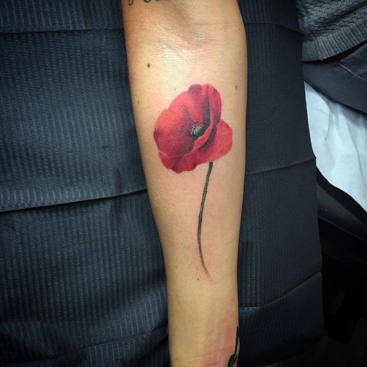 The 25+ best Poppies tattoo ideas on Pinterest | Small ...