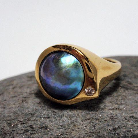 Paua pearl & diamond ring – Unio Goldsmith