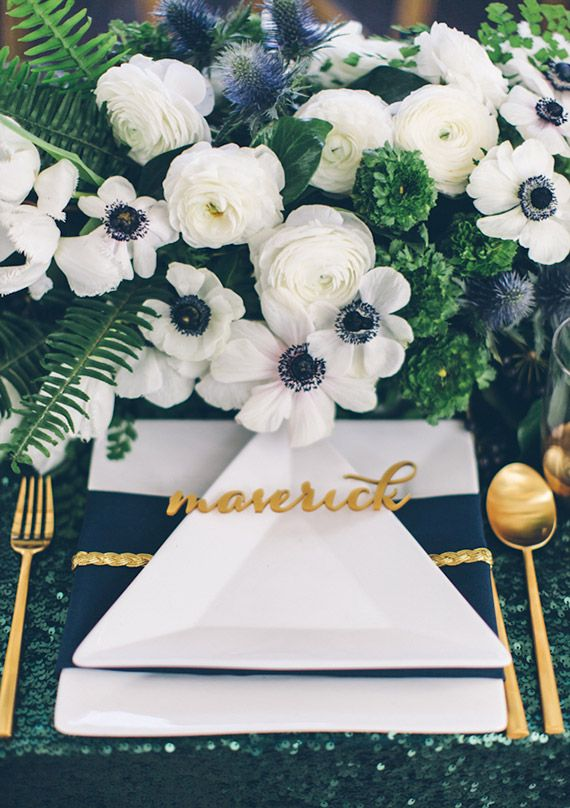 Florals by JL Designs, place setting by Jesi Haack | photo by Paige Lowe Photography | 100 Layer Cake