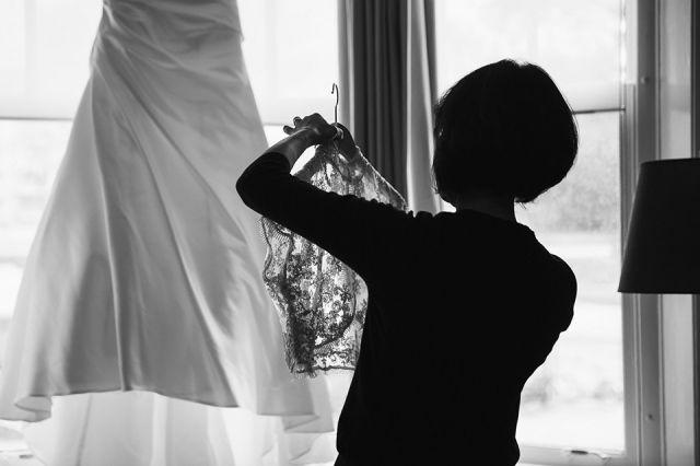 #trouwjurk #voorbereiding #bruiloft Trouwen met een dubbele ceremonie | ThePerfectWedding.nl | Fotocredit: Marco + Claudia