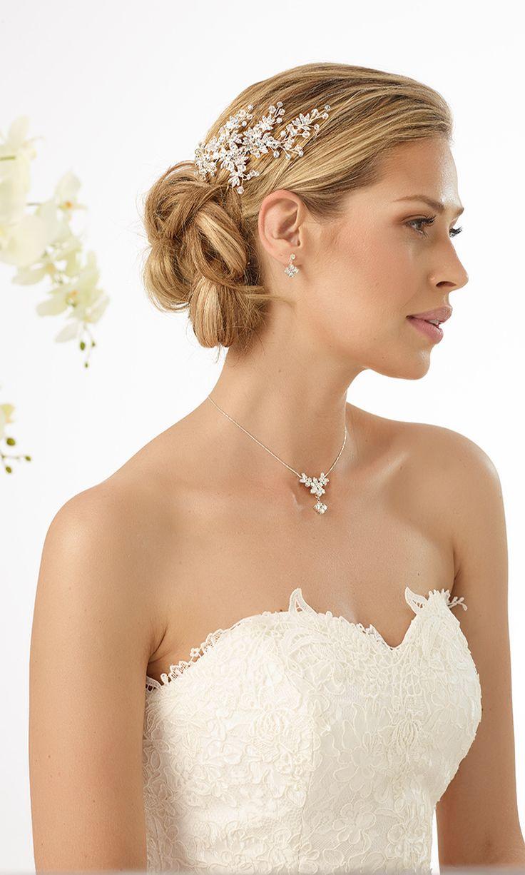 Stylish hair arrangement from Bianco Evento #biancoevento #hairstyles #weddingaccessories #hairjewellery #weddingideas #bridetobe