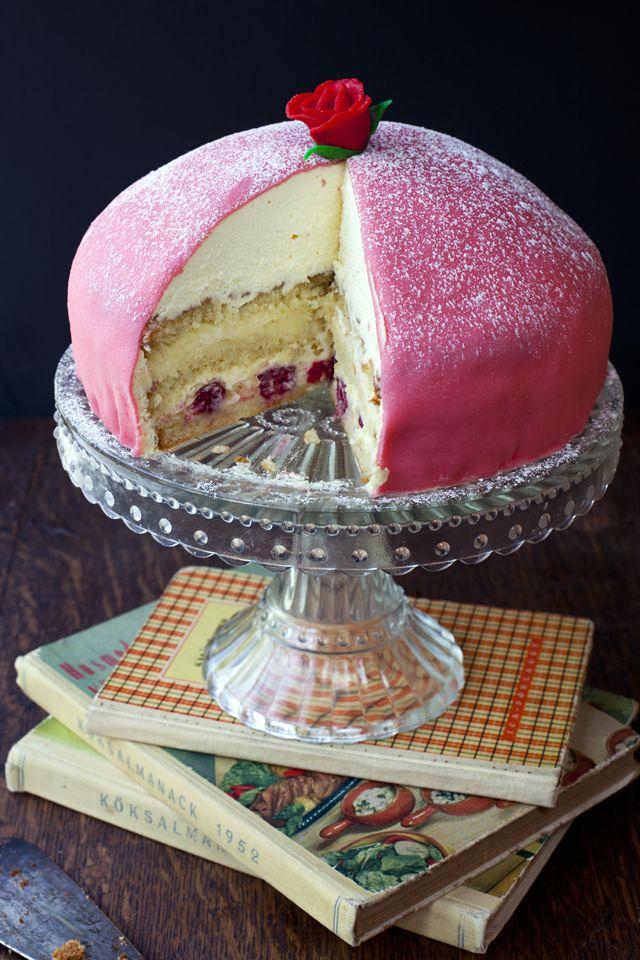 Prinsesstårta- Swedish Princess Cake | DonalSkehan.com