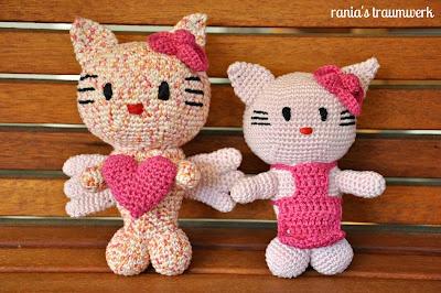 Hello Kitty Engel und Hello Kitty mit Schürze