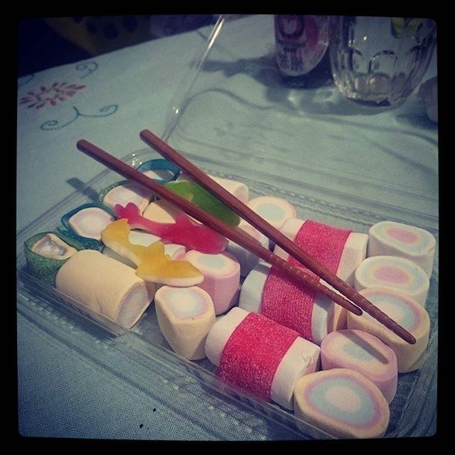 【nosadello】さんのInstagramをピンしています。 《#caramelle #candy #sweet #dolci #candies #gommose #marshmallow #bonbon #gnamgnam #sushi #foodporn #japanese #sashimi #yummy #japanesefood #japan #sushitime #寿司 #스시 #日本 #kawaii #東京 #일본 #京都 #japon #桜 #空 #大阪》