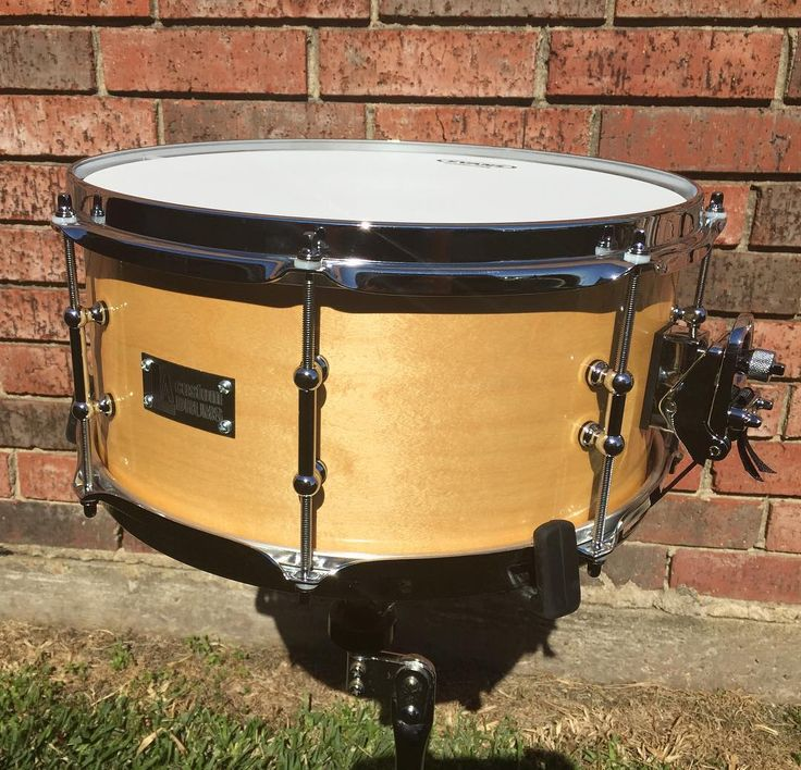 "FOR SALE. 6x14 maple snare. Stick saver hoops. Dw mag throw. 2""/1"" tube lugs. Puresound snares. Natural finish. Private message for more details and pricing.  @snaredrumfreakz @drumset_up @drums_for_drummers #drumforsale #snaredrum #drumporn #drums #snare by lee_drums_alot"
