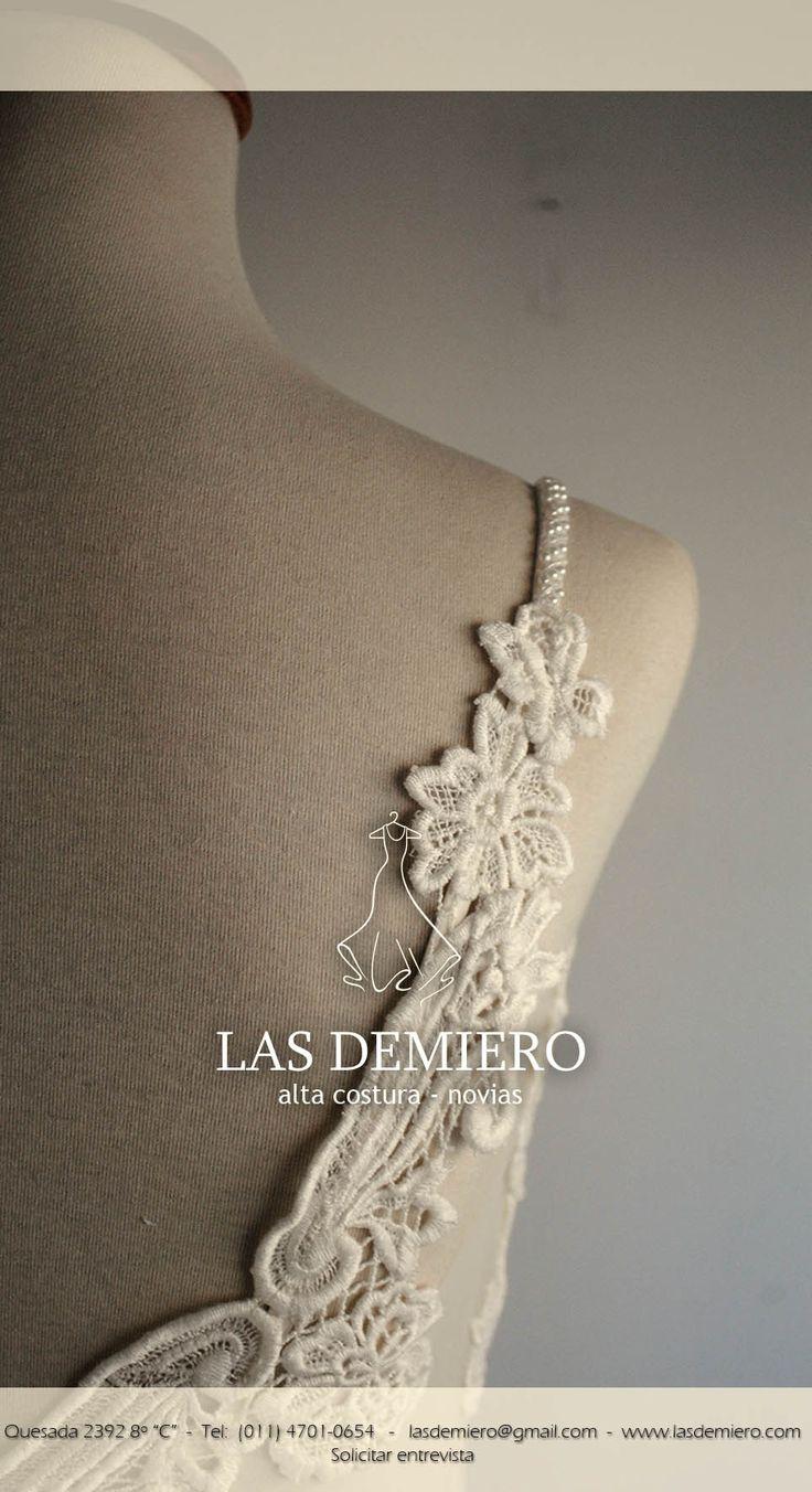 Las Demiero Las Demiero : www.lasdemiero.com Facebook: https://web.facebook.com/demiero/  #lasdemiero #bodas #novias #vestidodenovia #vestidossirena #vestidosbordados #casamientos #noviavintage