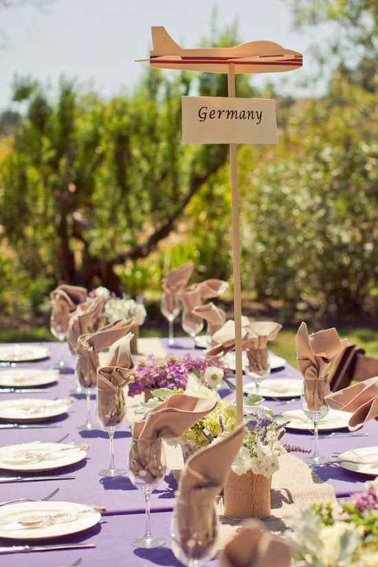 Si tenéis pasión por los viajes podéis tematizar vuestra boda con ellos, hay mil ideas y podéis conseguir que cada rincón sea muy muy espec...