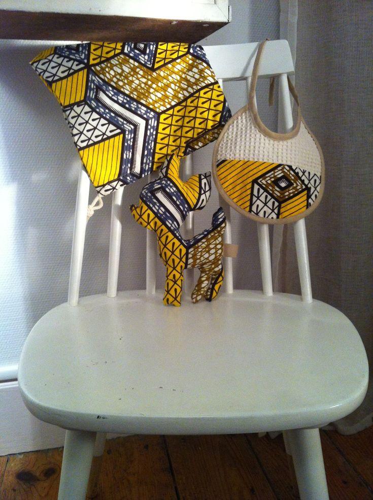 Assortiment doudou Biche + bavoir bébé + petit sac en coton wax jaune, beige et blanc : Jeux, peluches, doudous par i-k