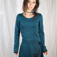 Robe envolée de papillon  bleu canard bas dentelle taille 40 http://sanlivine.alittlemarket.com