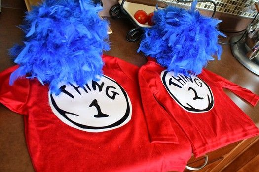 Couple Halloween costumes and groups  Thing 1 and Thing 1 Dr. Seuss book The Cat in the Hat #halloween #costumes @funcostumes