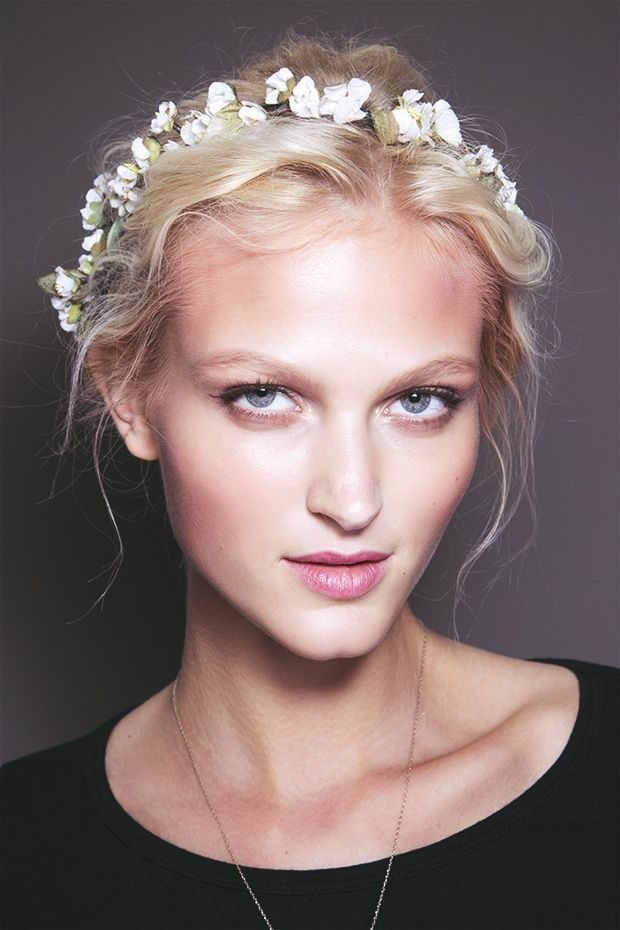 How to: flower crown #hairstyle www.fashionising....