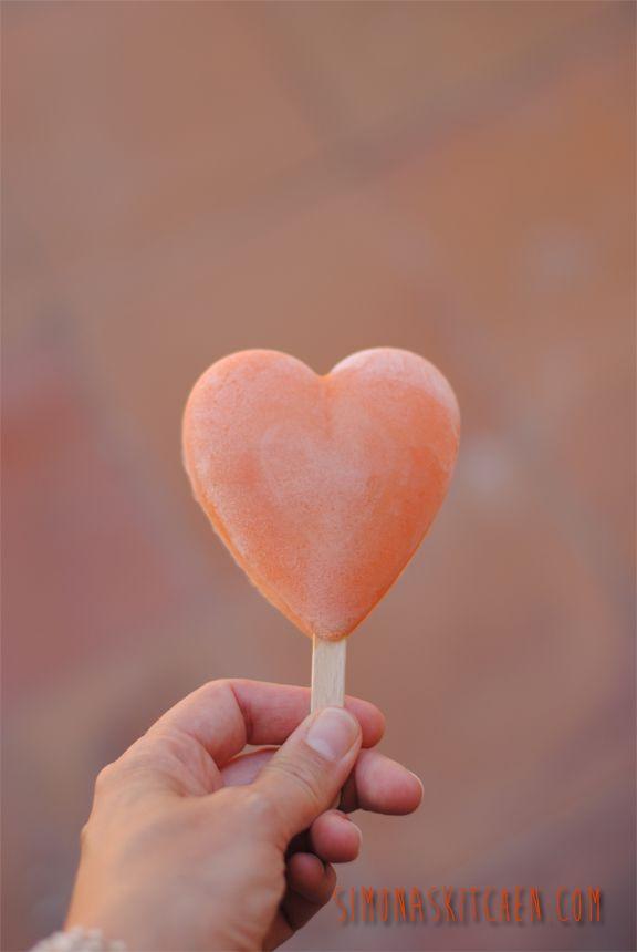 Simona'sKitchen: Cuori Gelato alle Pesche, Albicocche e Yogurt alla Vaniglia - Icecream Hearts with Peaches, Apricots and Vanilla Yoghurt - Couers Gelés aux Pêches, Abricots et Yaourt à la Vanille