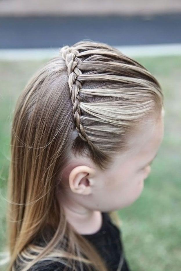прически для маленьких девочек 2 года на короткие волосы фото