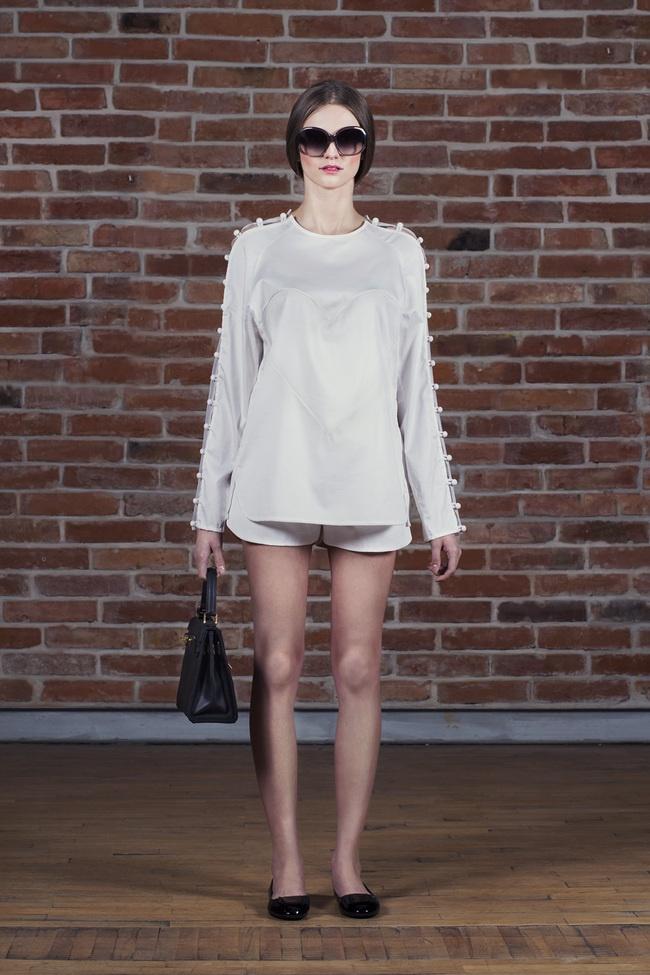 White Top & Shorts  | Inperia www.inperia.com