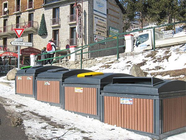 MolokDomino,markedets mest arealeffektive løsning for avfall under bakken. Modulsystemet er effektivt,plassbesparende og meget fleksibelt.