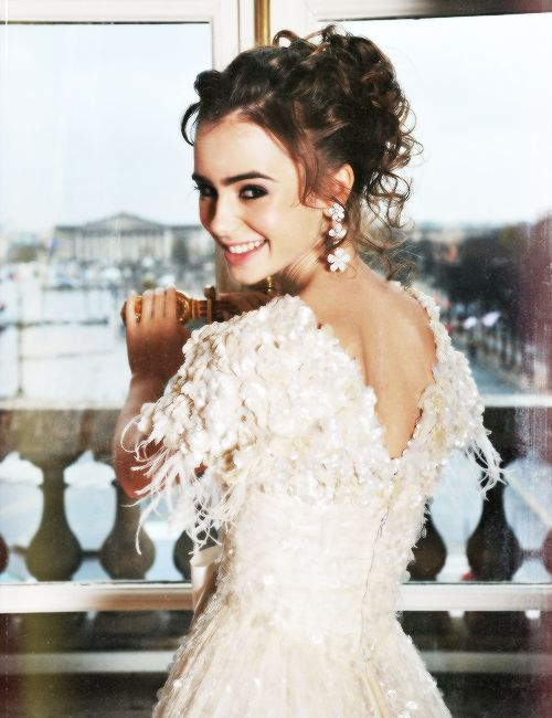 the mortal instruments, lily collins. Love the flower teardrop earrings! Homecoming&Prom