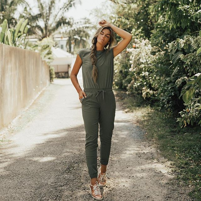BACK IN STOCK and sooooo hot. Our best selling jumpsuit in SAGE is back and it's already going fast so SAY NO TO FOMO and grab it while you can. @albionfit