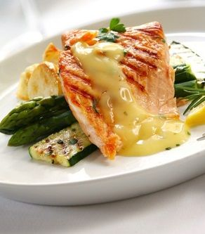 Heat the broiler. Trim and wipe the steaks and rub with salt and pepper. Lightly brush the broiler rack with butter and place salmon steaks on it. Brush the tops of steaks with butter. Broil quickly far enough from the source of heat to cook without scorching. Turn the salmon steaks once,using a turner and …