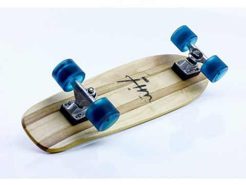 H Maker ·    #skate #skateboard #wood #recycle #surfboard #surf #premium #maker #makethigsbetter #beuty #blue #wheels #truck #tracker #cruising @trackertrucks @entropyresins @entropy_resins_eu