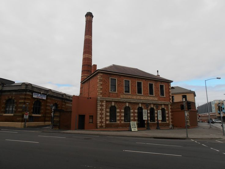 Hobart Gas Company building now the Hogs Breath Cafe and Grill.