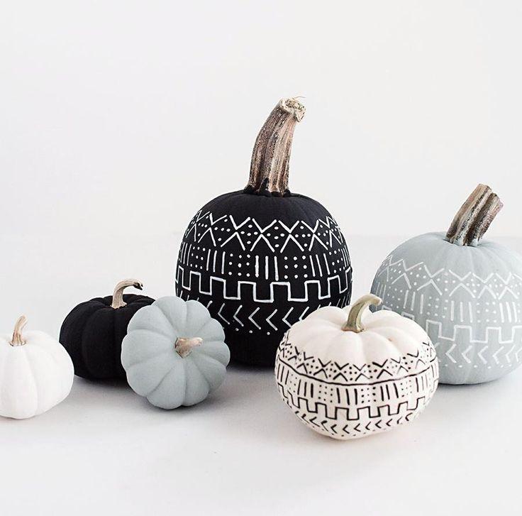 Parce que l'Halloween se résume à bien plus qu'aux traditionnelles citrouilles et chapeaux de sorcière, voici 10 inspirations pour adapter les traditionnelles décos d'Halloween aux tendances actuelles.