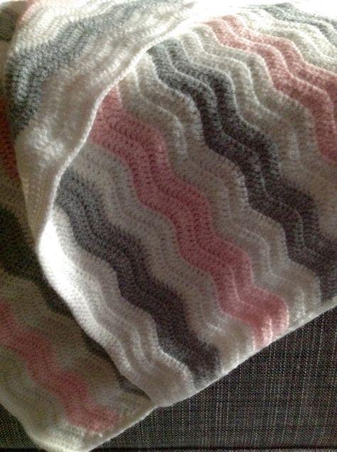 17 mejores ideas sobre mantas de beb tejidas en pinterest - Mantas de lana hechas a mano ...